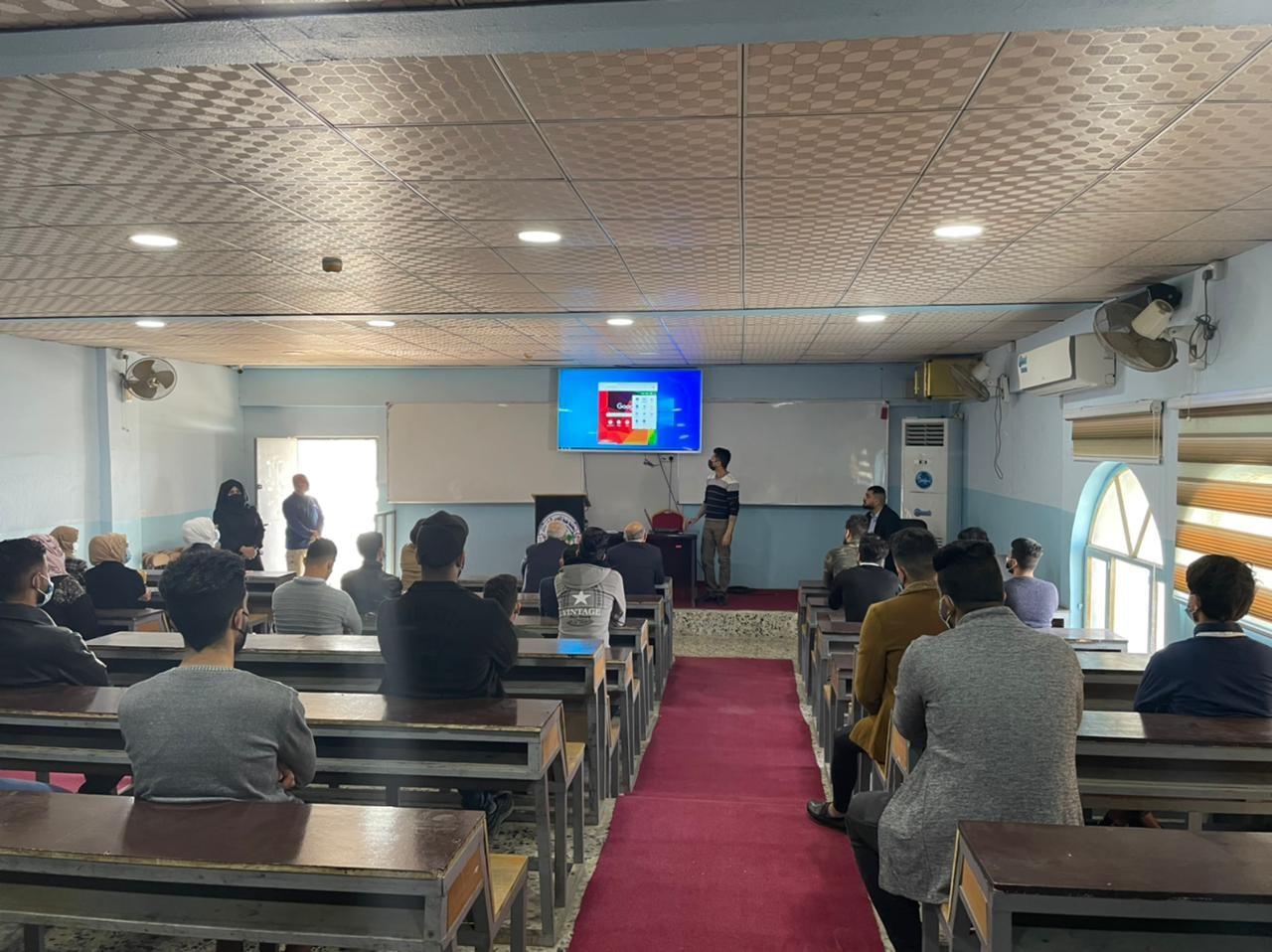 وحدة التطوير و التعليم الالكتروني تنظم ورش إلكترونية تدربية لطلبة المرحلة الاولى في التعليم الالكتروني .
