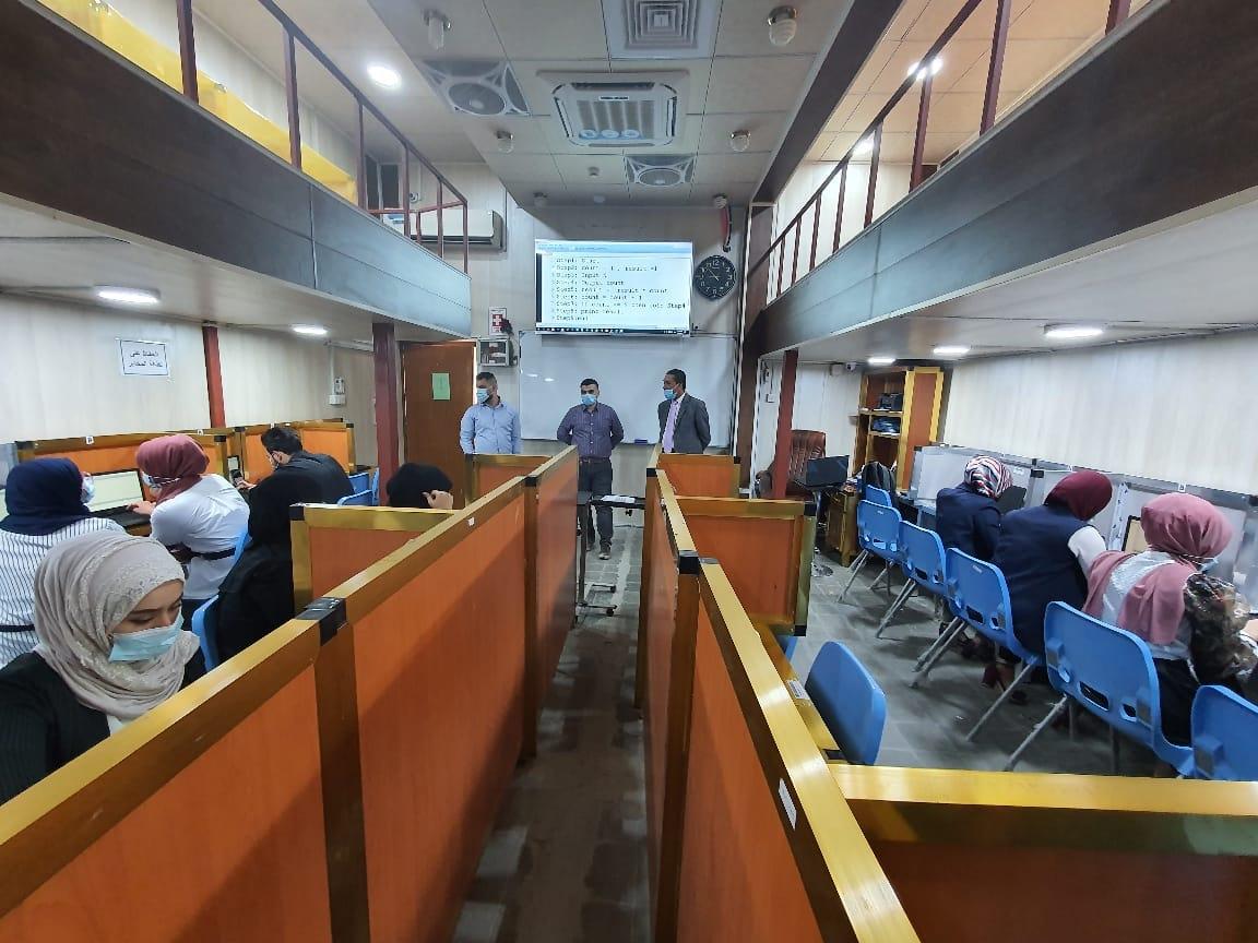 استمرار المحاضرات في قسم علوم الحاسبات وفق نظام التعليم الالكتروني المدمج