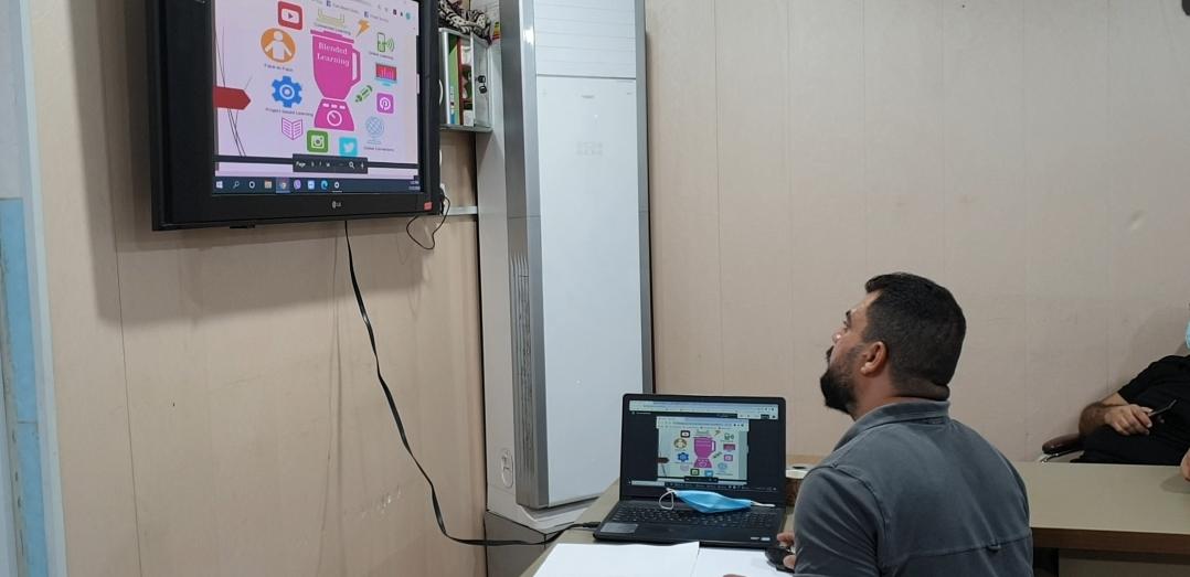 انطلاق البرامج الإلكترونية التدريبي للطلبة استعدادا الى التعليم الإلكتروني المدمج