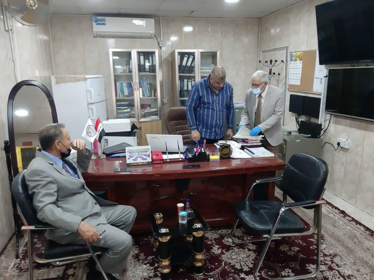 عميد كلية شط العرب الجامعة يتفقد القاعات الإمتحانية لقسم المحاسبة
