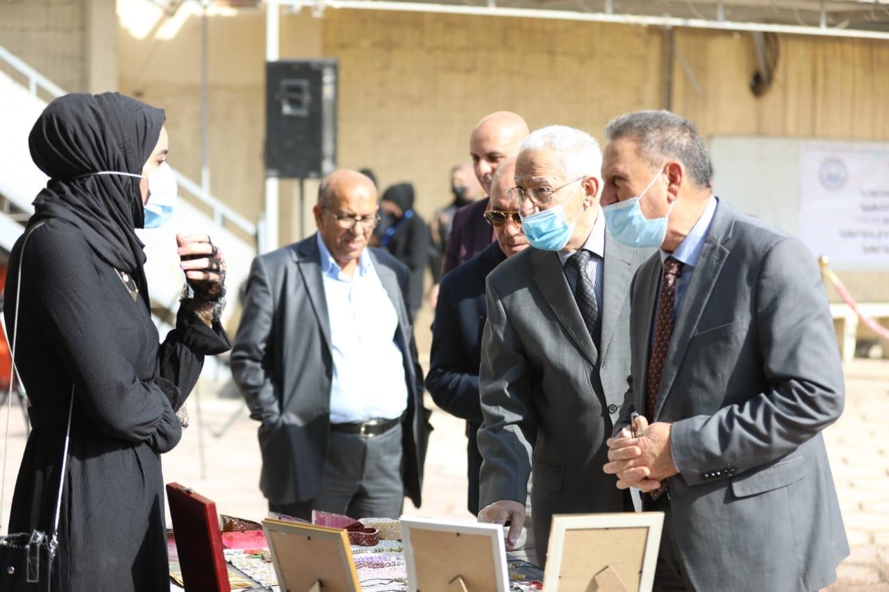 كلية شط العرب تقييم معرض الفنون التشكيلية