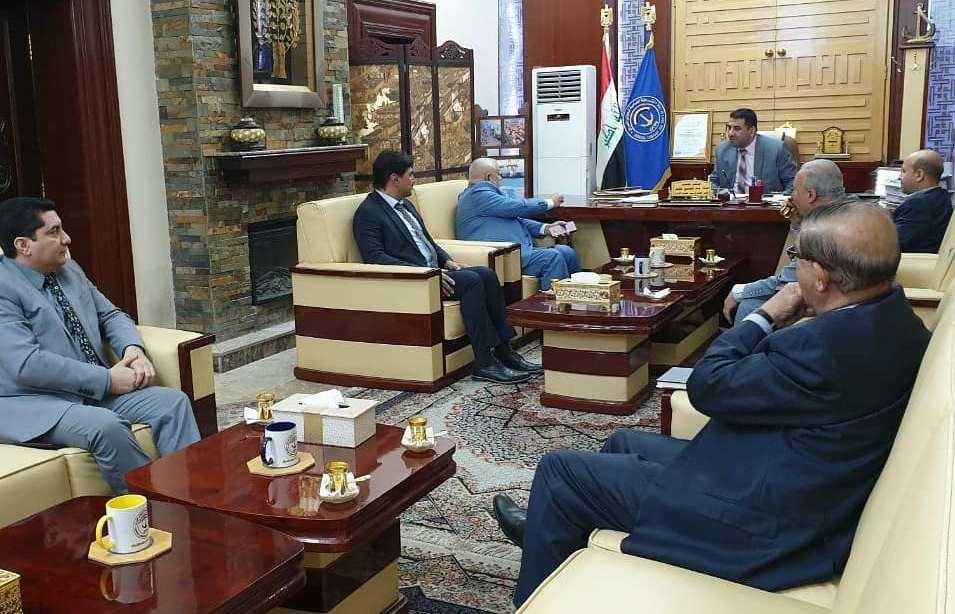 لقاء بين اعضاء الكلية و مدير العام لمؤانئ العراق